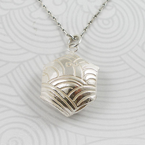 Fiona Hutchinson Japanese Wave Necklace