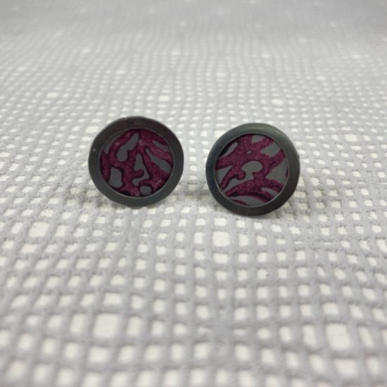 Alyssa circle stud earrings in oxidised silver and berry aluminium, by Penny Warren